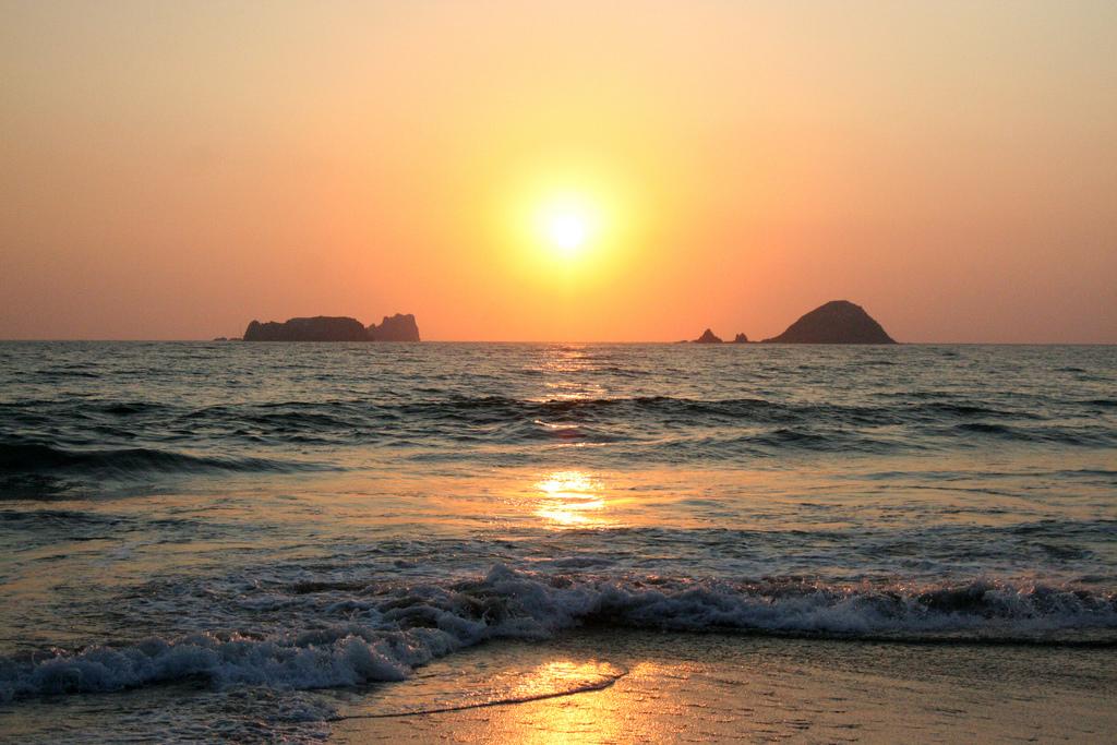 El Palmar - Best Beach in Puerto Ixtapa - Amstar dmc blog
