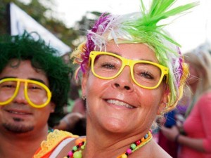 Cozumel Carnival tourists - photo by Tiger Aguilar