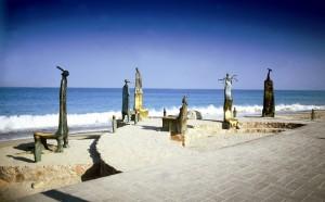 Bronze figures at El Malecon