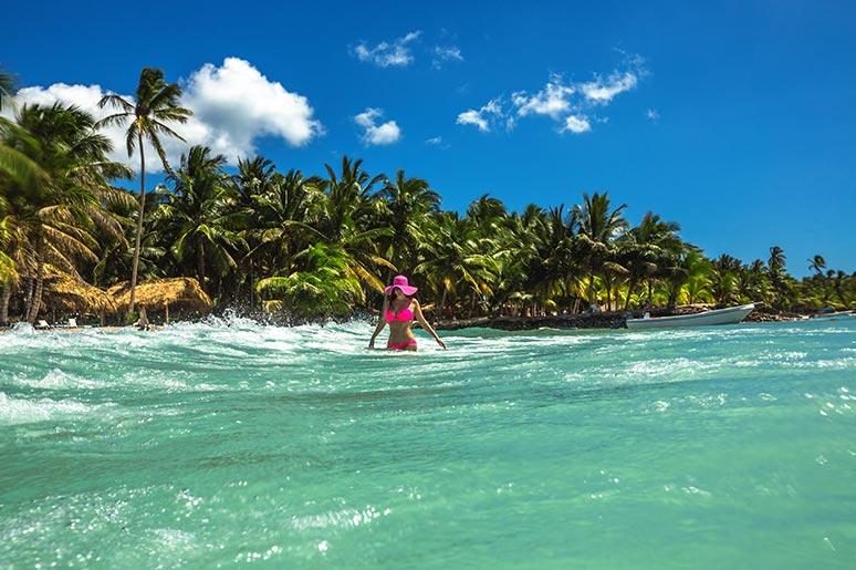 dominican caribbean beach