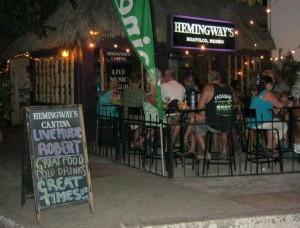 Hemingway's Cantina - night club Huatulco