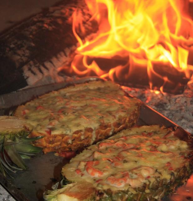 Pineapples stuffed with seafood - Huatulco food