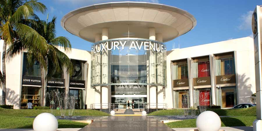 Shopping in Cancun