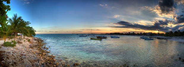 A panoramic picture of Akumal at sunset