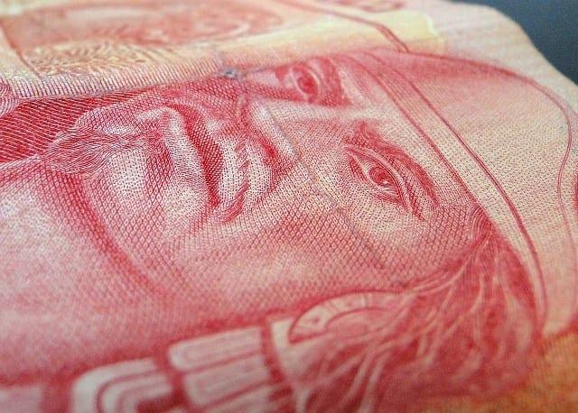 mexican-peso-money-tips