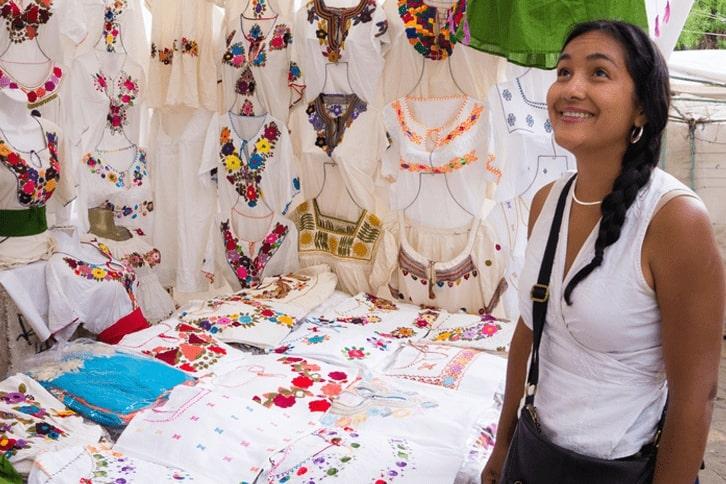 mexico-markets-clothes