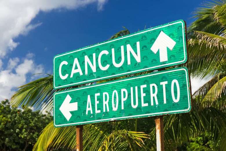 cancun-sign-airport