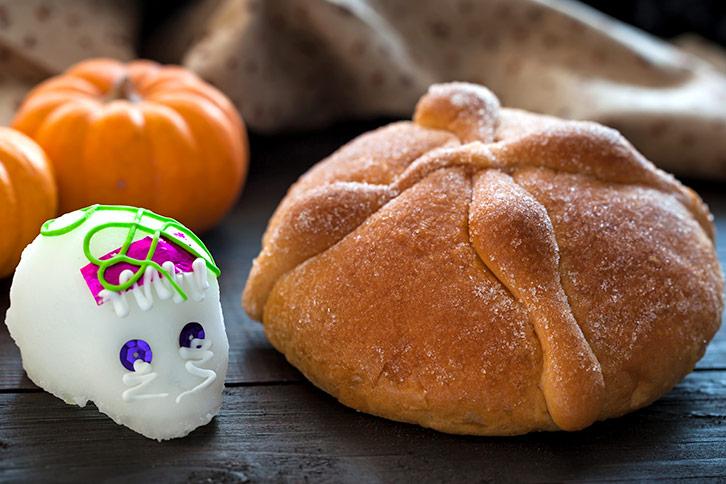 pan de muertos day of the dead bread