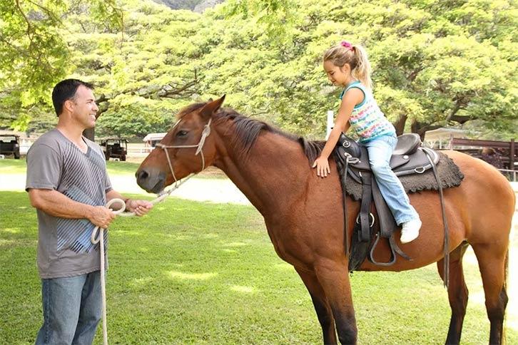 kualoa horseback family tour